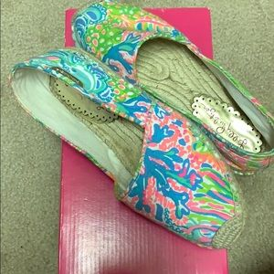 Lilly Pulitzer espadrilles in lovers coral